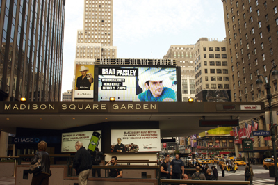 Brad Paisley Brings His American Saturday Night Tour To